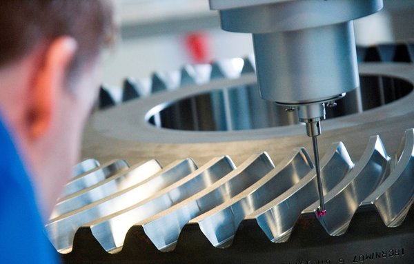 Ata Gears valmistaa vuodessa jopa 10 000 kartiohammaspyöräparia, kaikki mittojen mukaan räätälöityinä. Kuva: Ata Gears Oy / Sami Helenius.