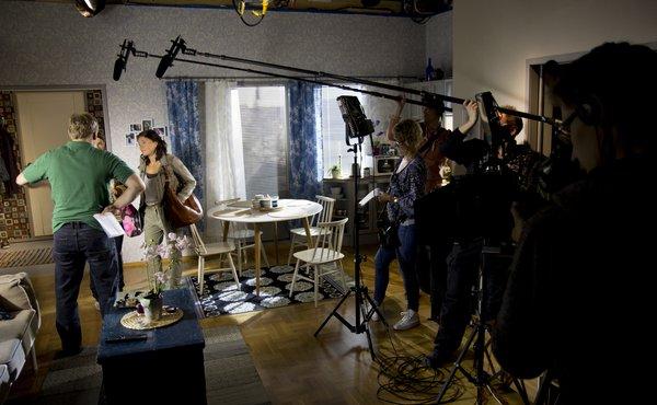 Uusi Päivä -sarjan tuotanto siirtyy Creative Studios Finlandille kesällä 2015.