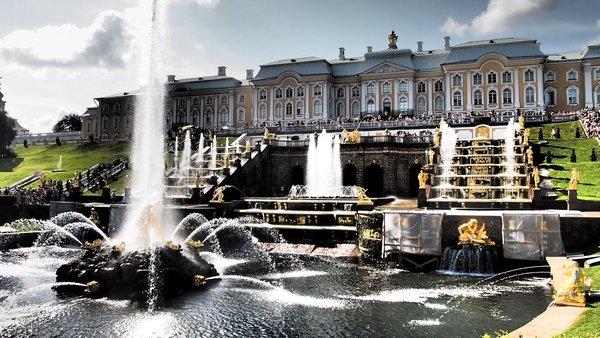 Pietarhovin palatsi (kuva: Pirkko Laitinen/Tredea Oy)