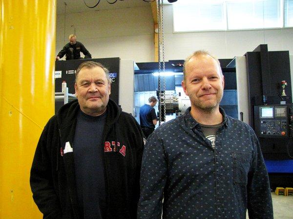 Yritysten yhteydenpito on päivittäistä – jos ei nähdä, ainakin soitellaan. Kuvassa Rautalaakin toimitusjohtaja Markku Salminen ja Sorvaamo Niemenmaan toimitusjohtaja Timo Niemenmaa.