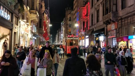 Thousands of people walking up and down the Istiklal street in Istanbul. Photo by Tampere Imaging Ecosystem team member Eero Miettinen.