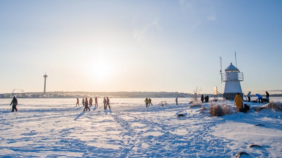 Talvipäivä Näsijärven jäällä. Kuva: Laura Vanzo