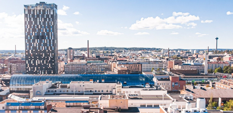 Visit Tampere Summer drone view from Yliopistonkatu Sokos Hotel Torni Nasinneula Cityscape Urban panorama Laura Vanzo 2