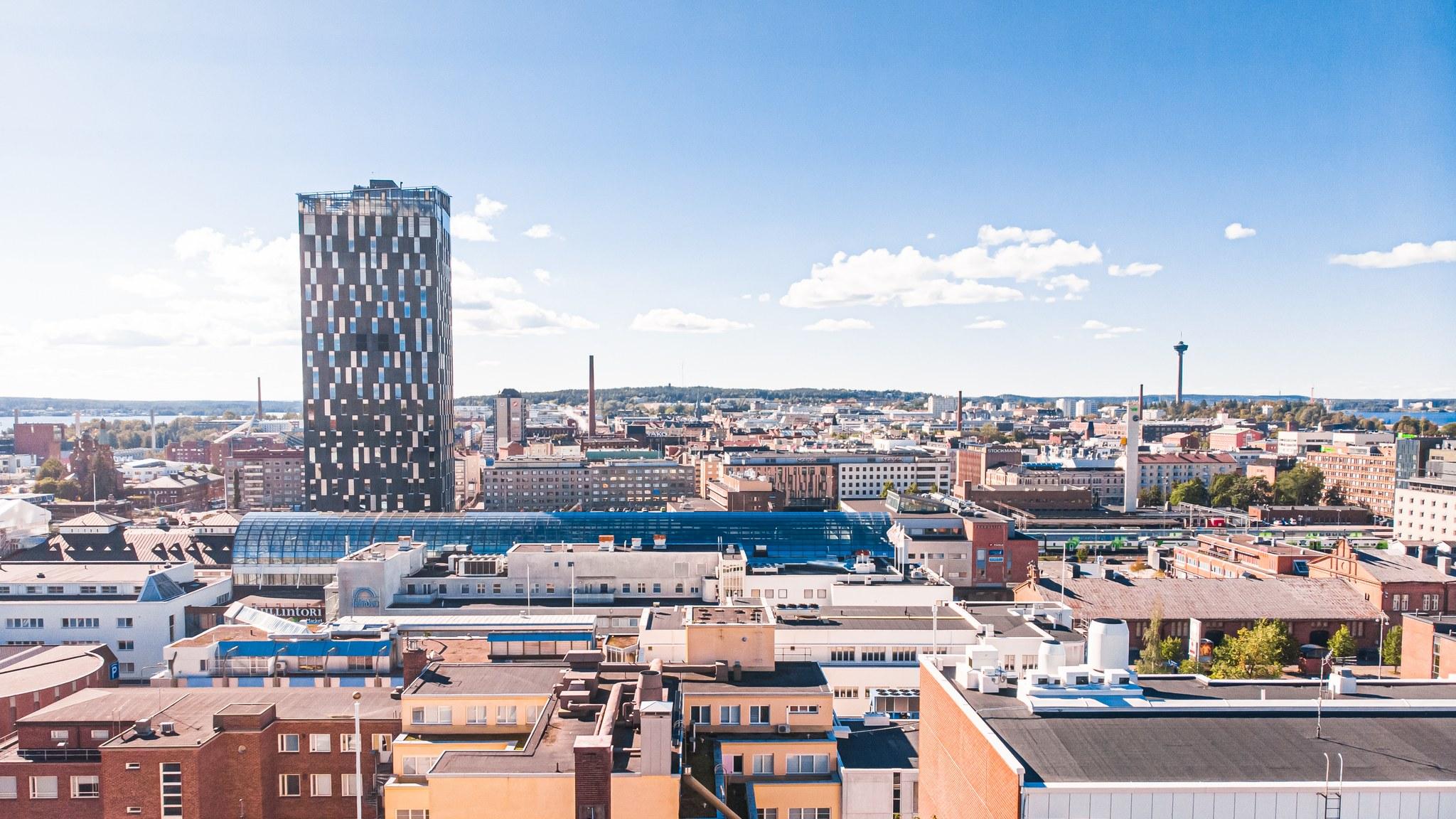 Visit Tampere Summer drone view from Yliopistonkatu Sokos Hotel Torni Nasinneula Cityscape Urban panorama Laura Vanzo